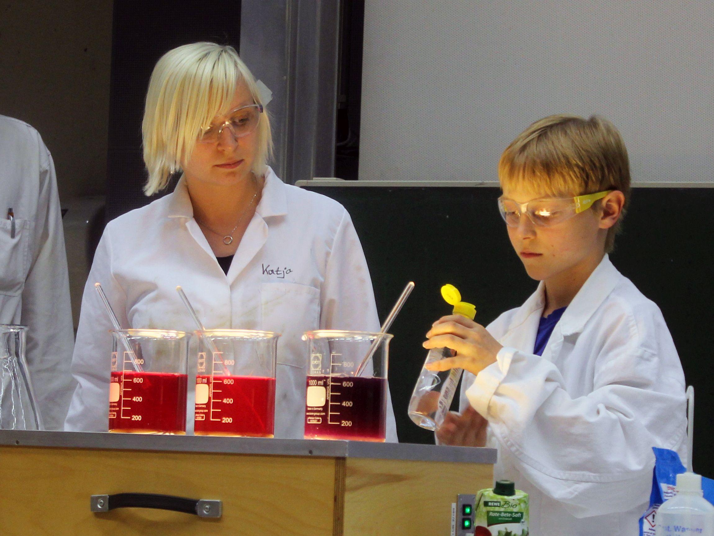 Ein breites Spektrum an wissenschaftlichen Kursen bietet dieses Jahr wieder die KinderUni in Bayreuth.