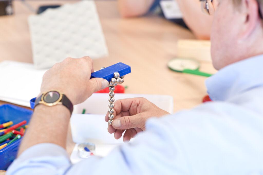 Haus der kleinen Forscher: Workshop zu Magnetismus