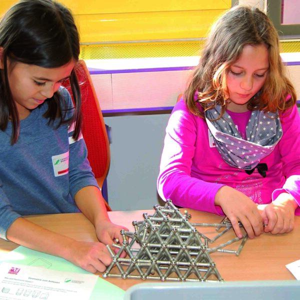 Mädchen und Technik - Ein Ferienprogramm für junge Frauen